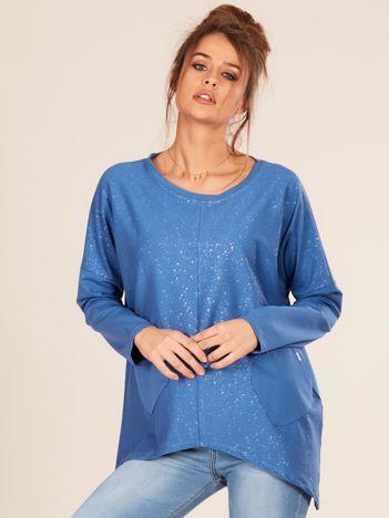 Niebieska bluzka oversize