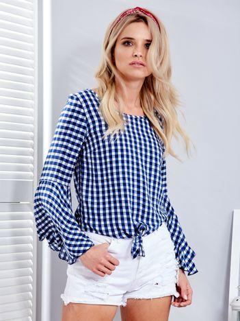 Niebieska bluzka w kratkę z wiązaniem na dole
