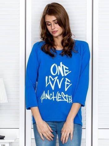 Niebieska bluzka z napisem ONE LOVE