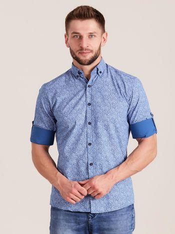 Niebieska koszula męska we wzory