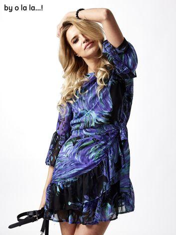 Niebieska sukienka mgiełka z szerokimi rękawami BY O LA LA