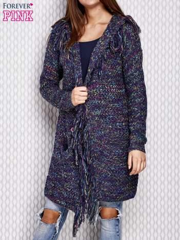 Niebieski otwarty sweter z kolorową nitką
