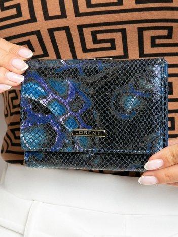 Niebieski skórzany portfel we wzory