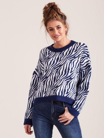 Niebieski sweter zebra