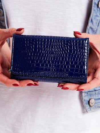 Niebieski tłoczony portfel damski