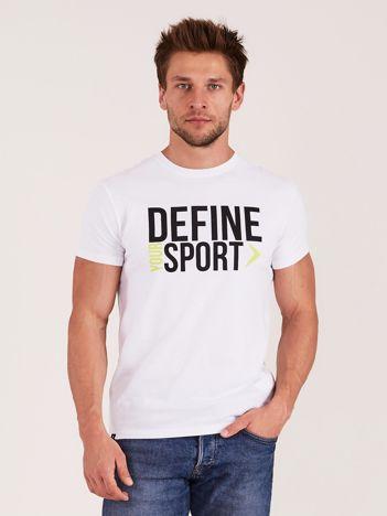 OUTHORN Biały t-shirt męski z napisem