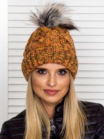 Ocieplana warkoczowa czapka z pomponem pomarańczowa