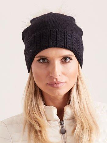 PREMIUM QUALITY Czarna czapka z jasnobeżowym pomponem z futra