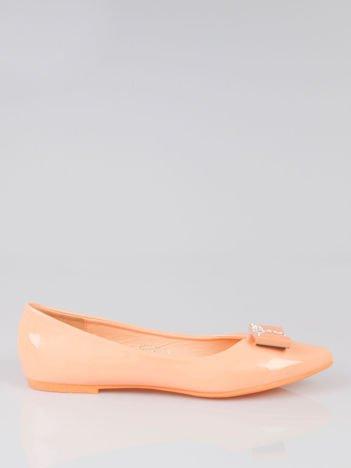 Pastelowopomarańczowe lakierowane baleriny Gem z błyszczącą kokardą