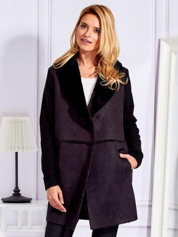 Płaszcz na misiu ze swetrowymi wstawkami czarny
