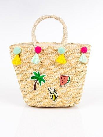 Pleciony koszyk plażowy z naszywkami