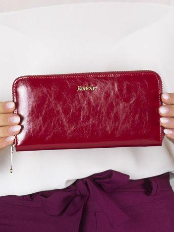 Podłużny damski portfel skórzany czerwony