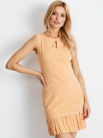 Pomarańczowa sukienka z wycięciem łezką