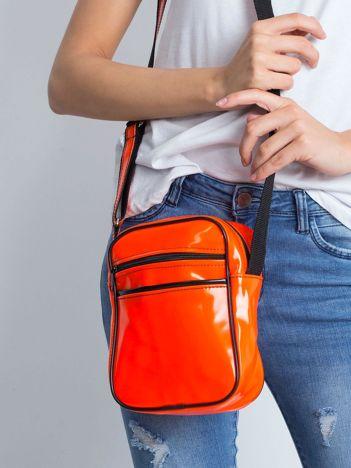 Pomarańczowa torba listonoszka
