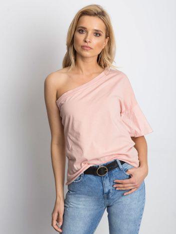 Różowa bluzka na jedno ramię z szerokim rękawem