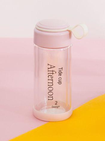 Różowa butelka szklana na wodę