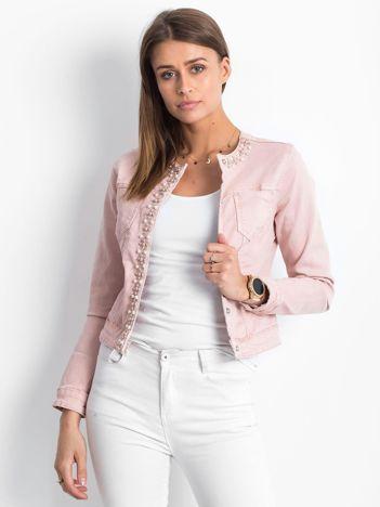 Różowa jeansowa kurtka z aplikacją