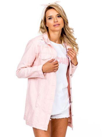 Różowa jeansowa kurtka z rozdarciami
