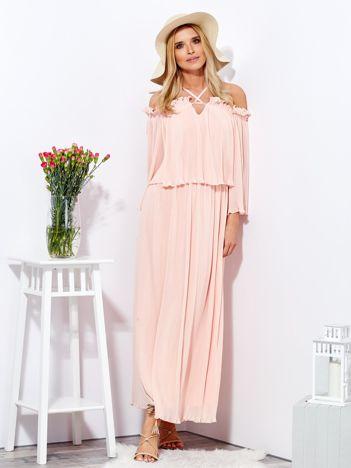 Różowa sukienka maxi w drobne plisowania