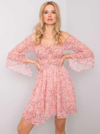 Różowa sukienka z printami Quiana RUE PARIS