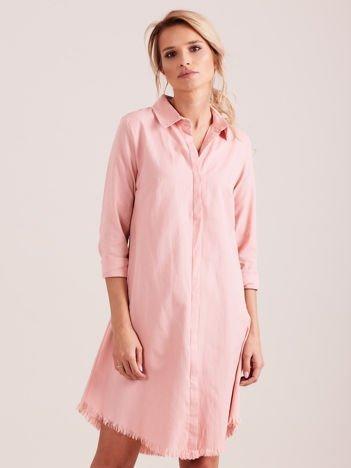Różowa sukienka zapinana na guziki