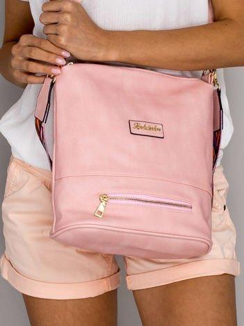 Różowa torebka z odpinanymi paskami