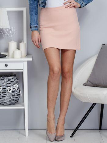 Różowa trapezowa spódnica