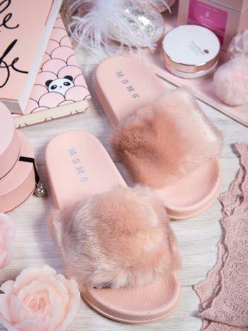 Różowe klapki z futerkiem