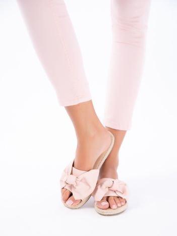 Różowe klapki z kokardą na przodzie z eco skóry