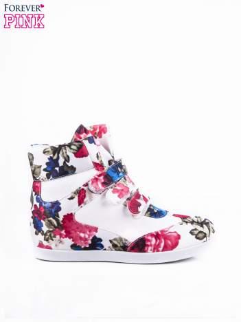 Różowe sneakersy na rzepy z kwiatowym motywem