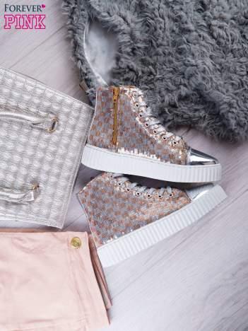Różowosrebrne sneakersy z cekinami w szachownicę