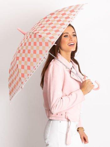 Różowy parasol we wzory