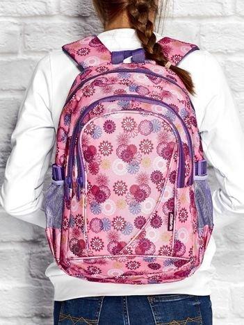 Różowy plecak szkolny dla dziewczynki z motywem kwiatowym