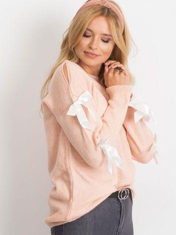 Różowy sweter Montana
