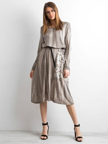 SCANDEZZA Beżowa sukienka z kieszenią