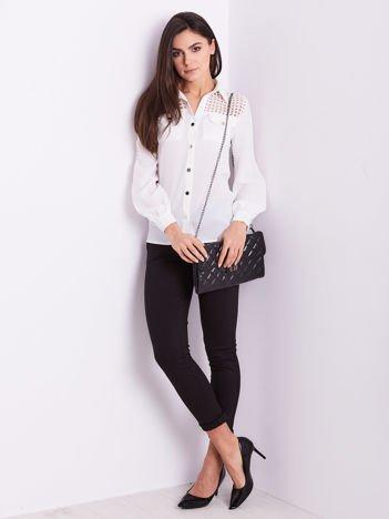 SCANDEZZA Biała koszula z ażurowaniem