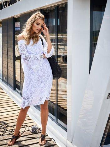 SCANDEZZA Biała sukienka hiszpanka z kwiatową koronką