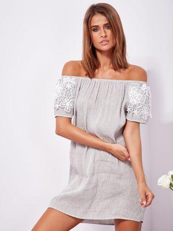 SCANDEZZA Biało-szara sukienka hiszpanka w cienkie paski