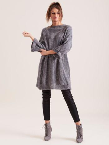 SCANDEZZA Ciemnoszary długi sweter z dzianiny