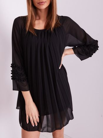 SCANDEZZA Czarna plisowana sukienka