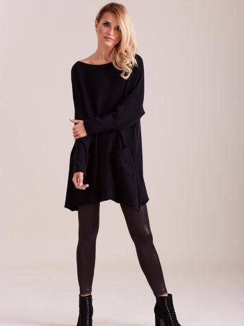 SCANDEZZA Czarny długi sweter
