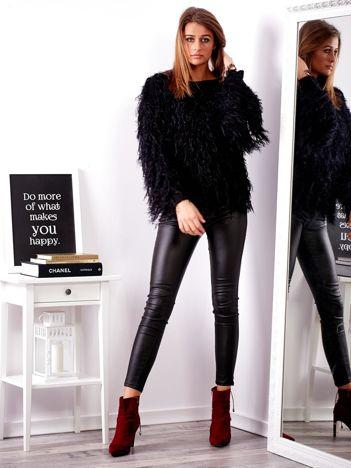 SCANDEZZA Czarny sweter z długim włosem