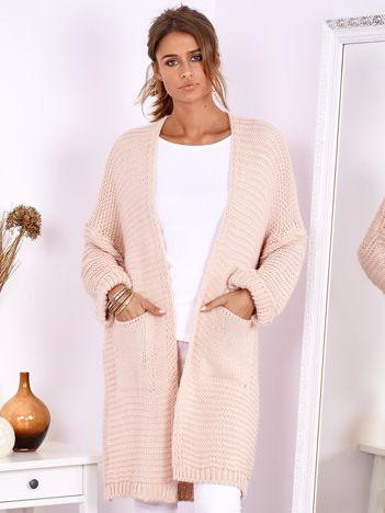 SCANDEZZA Jasnoróżowy długi otwarty sweter z kieszeniami