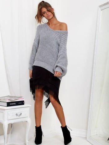 SCANDEZZA Szary sweter oversize o luźnym splocie