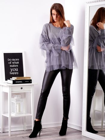 SCANDEZZA Szary sweter z tiulowymi falbanami