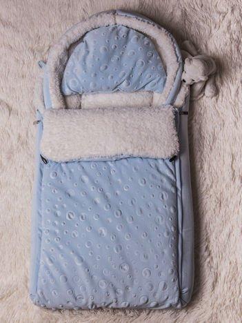 Śpiworek niemowlęcy do wózka lub łóżeczka z poduszeczką ocieplany na futerku niebieski