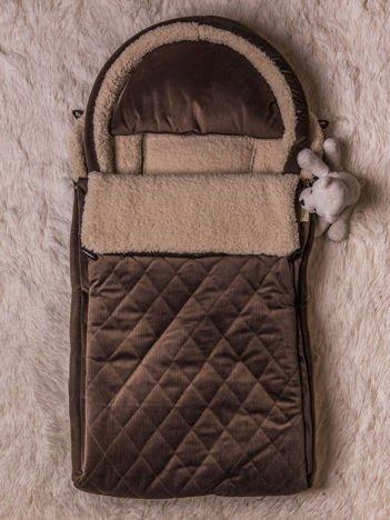 Śpiworek niemowlęcy pikowany do wózka lub łóżeczka z poduszeczką ocieplany na futerku brązowy