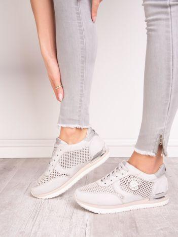 Srebrne buty sportowe ACLYS z ażurowa cholewką