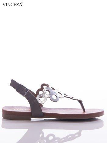 Srebrne sandały Vinceza z ozdobnie wycinaną cholewką w kółka