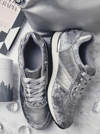 Srebrne welurowe buty sportowe ze skórzanymi tłoczonymi wstawkami i ozdobną satynową tasiemką